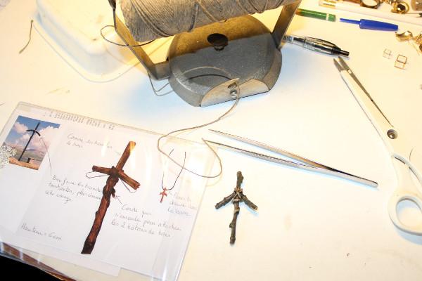 Fabrication de la croix de Sainte Nina